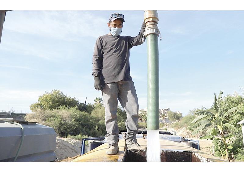 Programa de distribución de agua ha llegado a más de 40 mil habitantes de Los Cabos