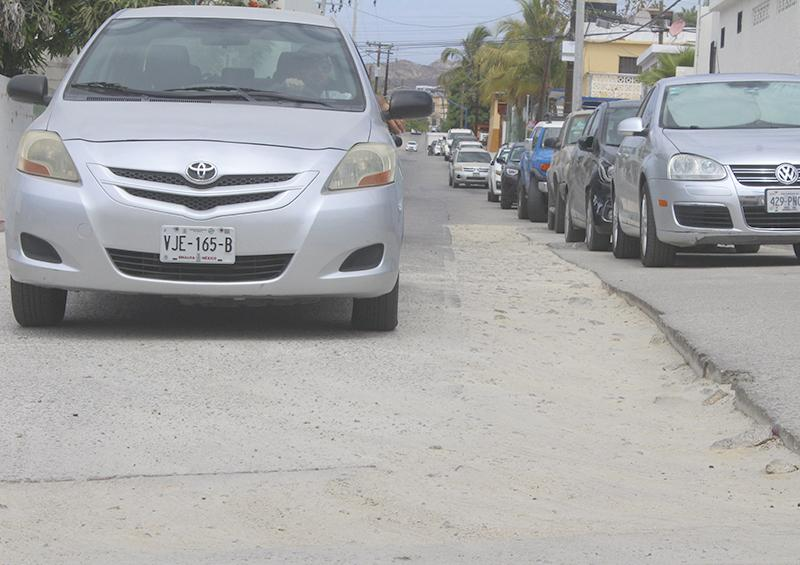 Sin solución de autoridades sobre las malas condiciones de calle Coronado