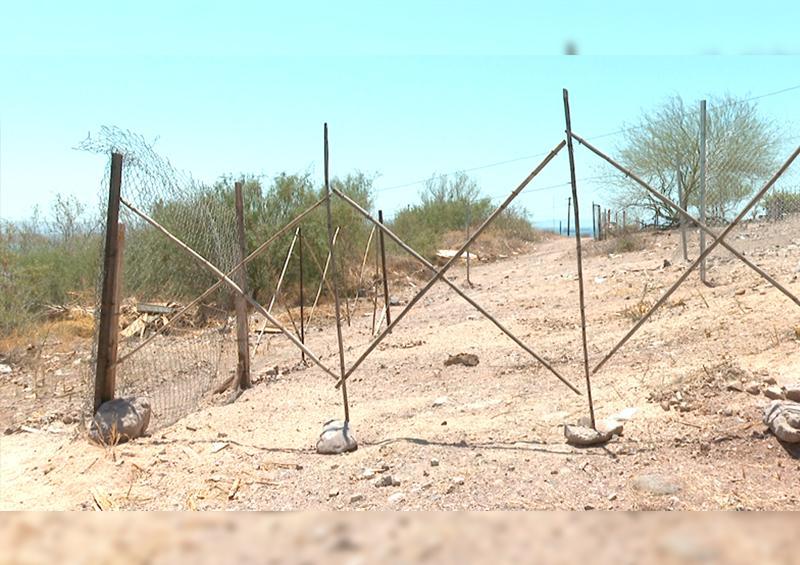 Vecinos  del Pedregal denuncian invasión de calle y daño  al ecosistema