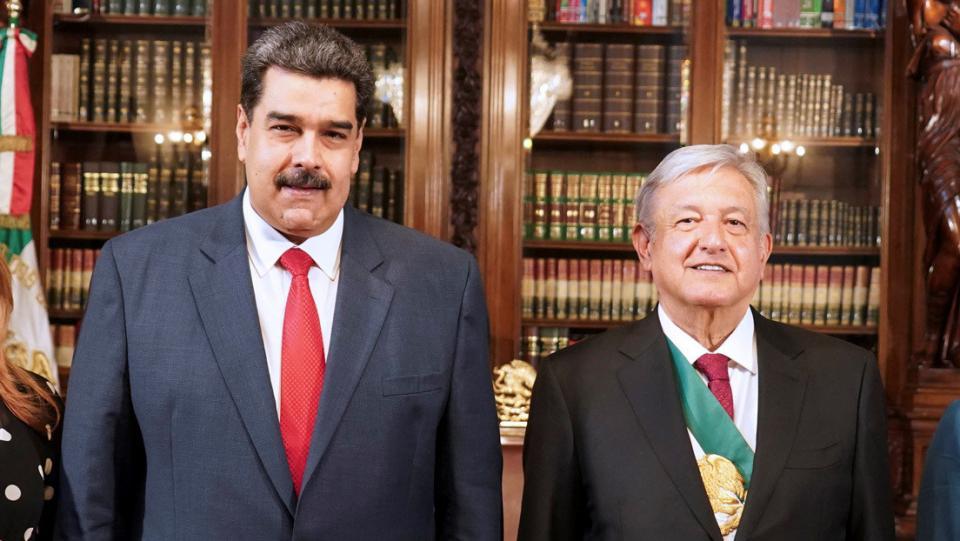 AMLO estaría dispuesto a vender gasolina a Venezuela