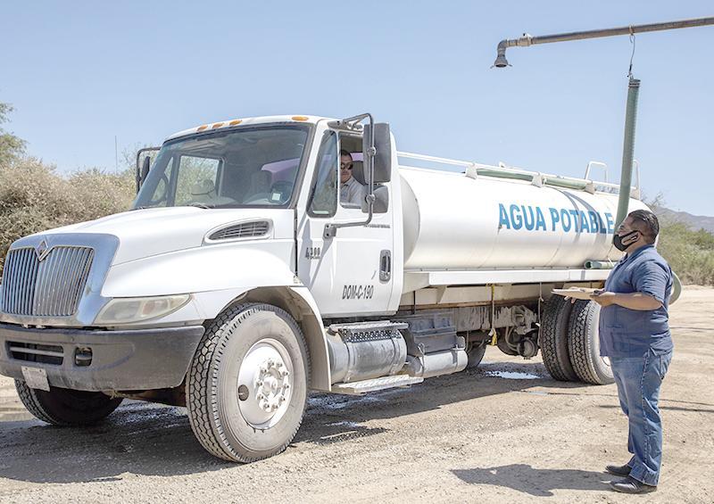 Dotan a instituciones públicas de agua potable gratuita