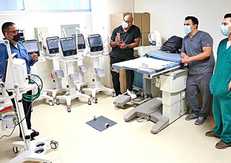 Desarrollan capacitación médica sobre el uso de nuevos ventiladores volumétricos