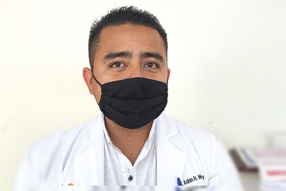 Entregados más de 500 apoyos en materia de salud: Adán Monroy