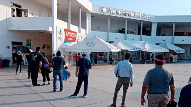 Abren oficinas para tramites en Ayuntamiento La Paz