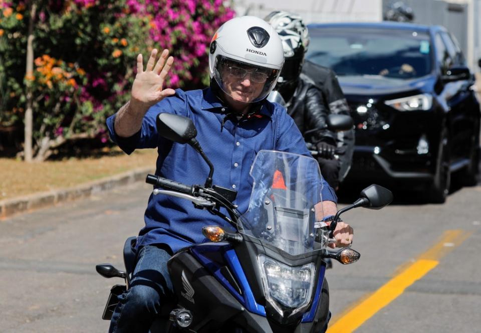 Bolsonaro en una motocicleta