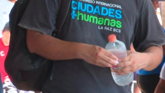 Se recomienda tomar agua-temporada de golpes de calor