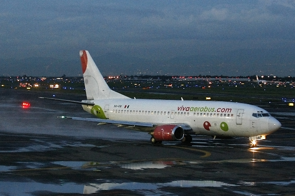 Viva Aerobus pierde mil millones de pesos a causa de la pandemia