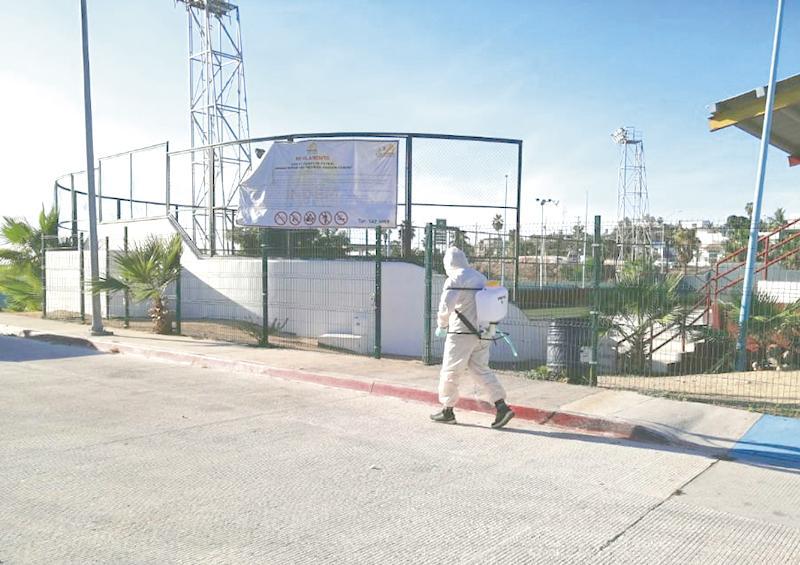 Continúa desinfección en espacios deportivos de Los Cabos