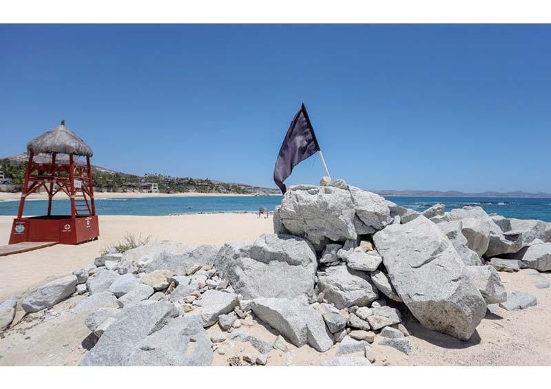 """Cierran playas de Los Cabos por efectos del huracán """"Genevieve"""""""