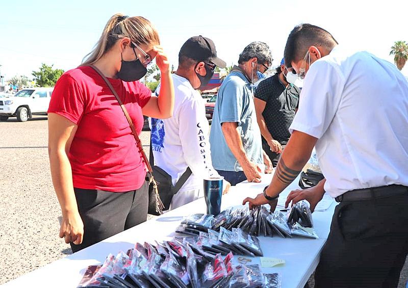 """""""Se hizo la luz""""  para 400 personas de Cabo San Lucas"""