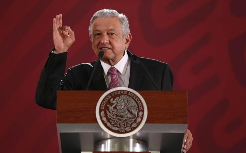 """AMLO aseguró que las remesas que envían los mexicanos que residen en Estados Unidos """"nos está salvando en esta crisis""""."""