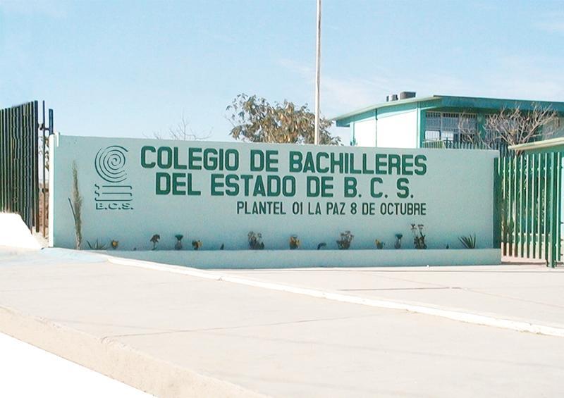 Más de 3 mil 800 jóvenes presentan examen de admisión ante Cobach