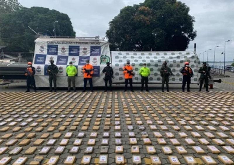 Cocaína decomisada por policía anti droga de Colombia al Cártel Jalisco Nueva Generación