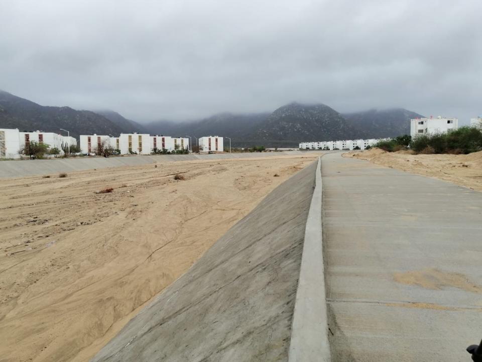 Habitantes de Puerto Nuevo están preocupados por la deficiencia del canal, pues temen que existan derrumbes en el futuro.