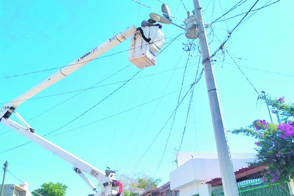 Servicios Públicos de Los Cabos trabaja en luminarias