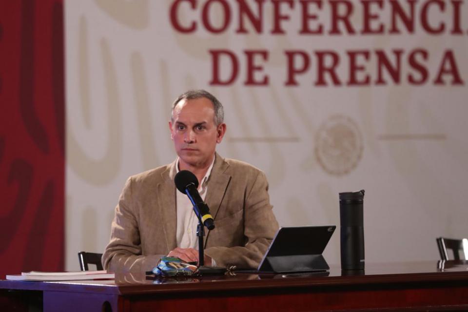 Hugo López-Gatell durante la conferencia sobre el Covid-19 en México
