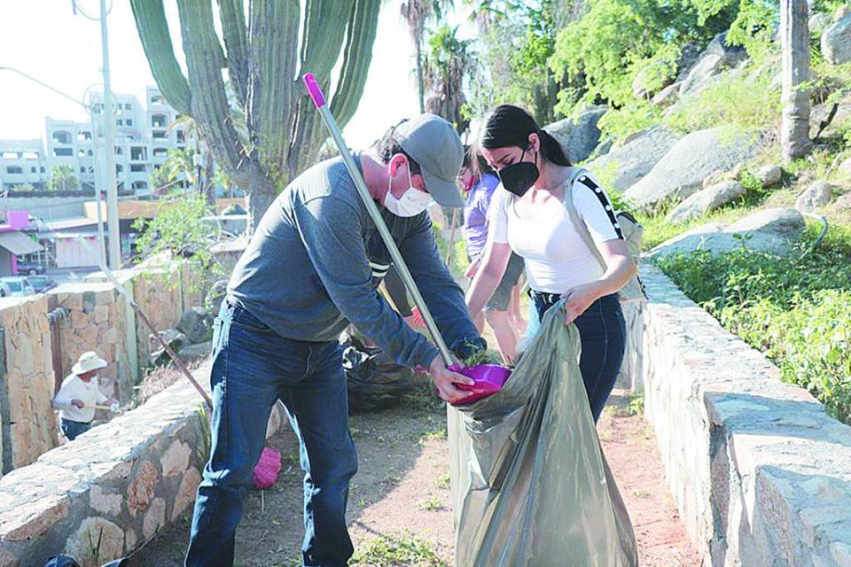 """Realizan campaña de limpieza en el """"Cerrito del Timbre"""""""