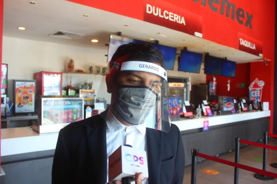 Gerardo, gerente de cine en la colonia El Zacatal