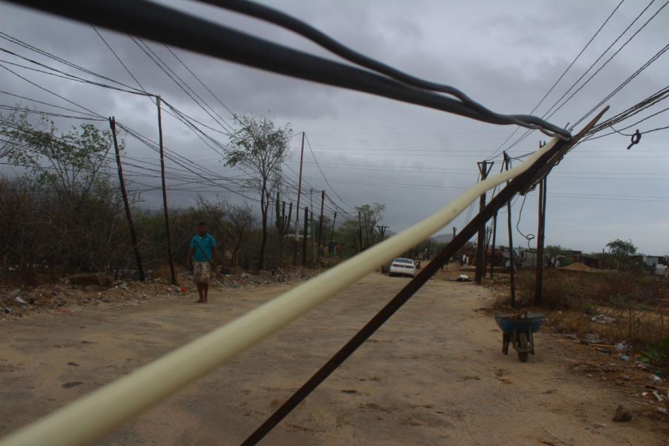 Tendido eléctrico en Los Cabos