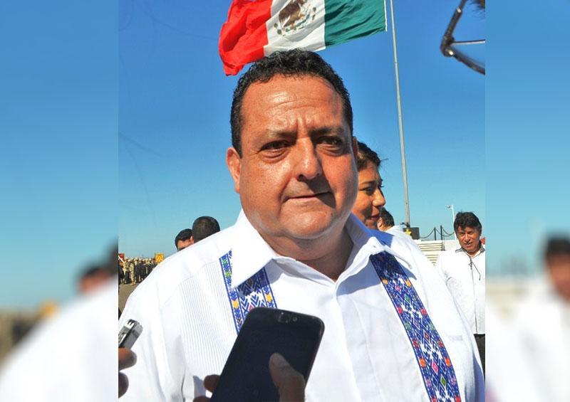 Gobernador del Estado Carlos Mendoza Davis