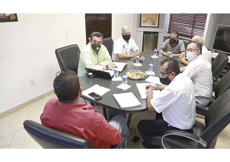 Buscan solución autoridades y empresa del parque Jacarandas