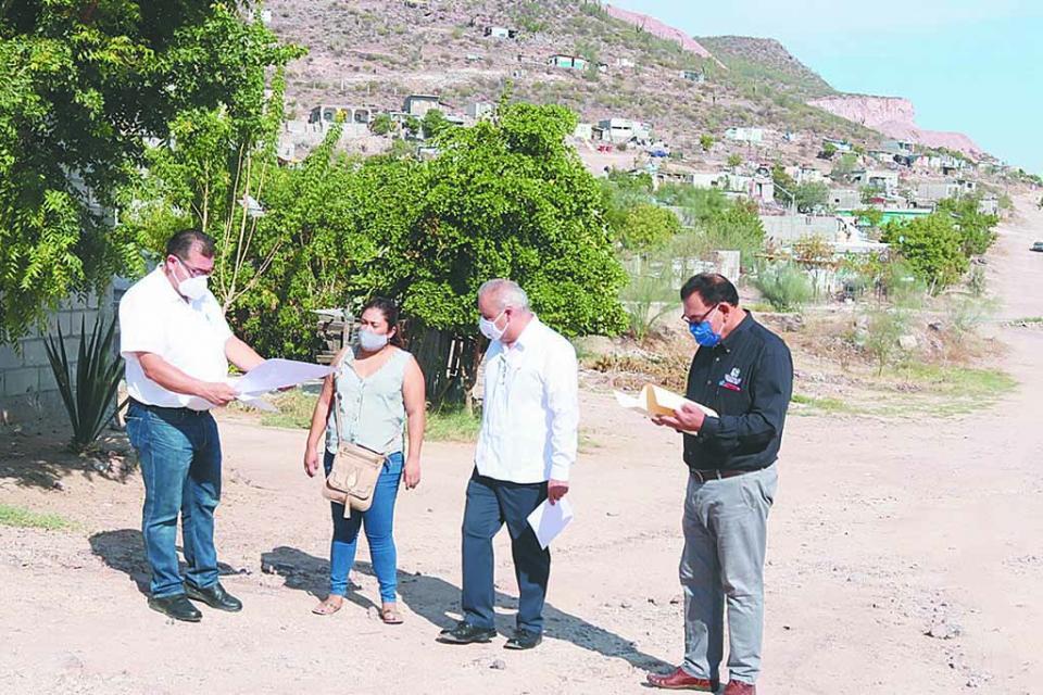 Avanza electrificación en colonia de La Paz