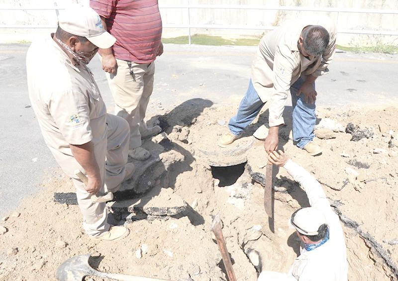 Raparan derrame de aguas negras en la colonia Miramar