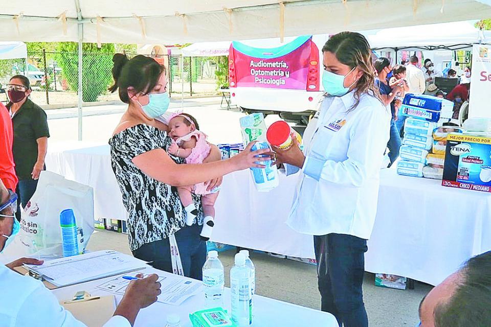 Otorga DIF Los Cabos más de mil  368 apoyos a los más vulnerables