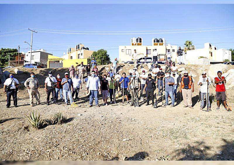 Continúa el mejoramiento de espacios públicos  en Los Cabos