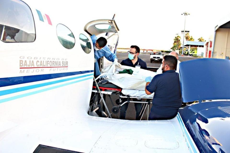 Mujer fue trasladada vía aérea por la Secretaría de Salud