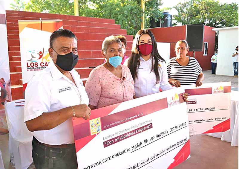 "Apoyan ""Con mi Alcaldesa Emprendo"" a productores de zona rural"
