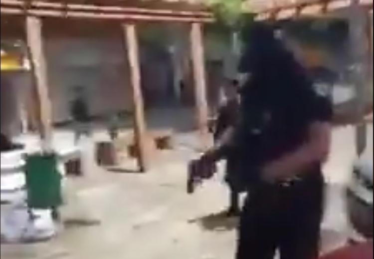 A plomazos, dispersan manifestación feminista en Cancún