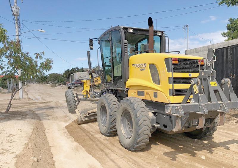 Rehabilitan más de 18 mil km de calles y caminos de terracería