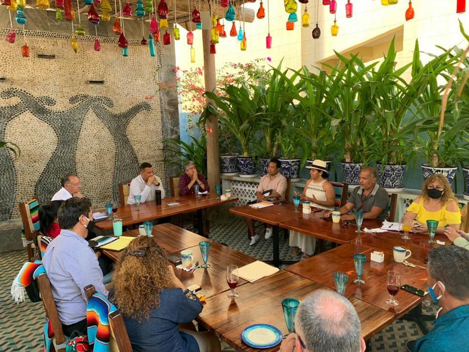 Seguridad Pública en reunión con empresarios de El Médano