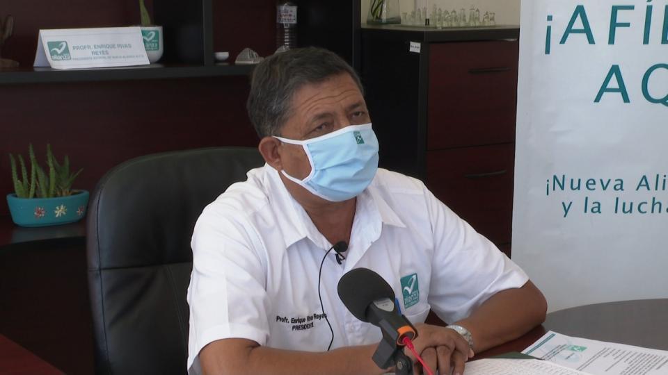 Líder estatal del Partido Nueva Alianza, el profesor Enrique Rivas Reyes
