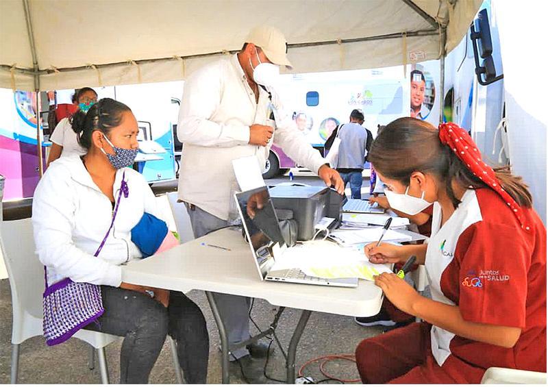 Benefician a más de 2 mil ciudadanos con servicios médicos