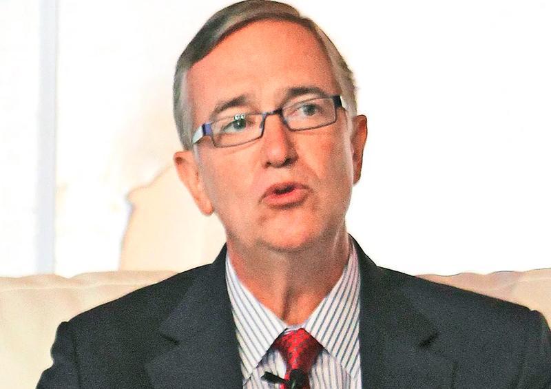 Salinas Pliego defiende el outsourcing