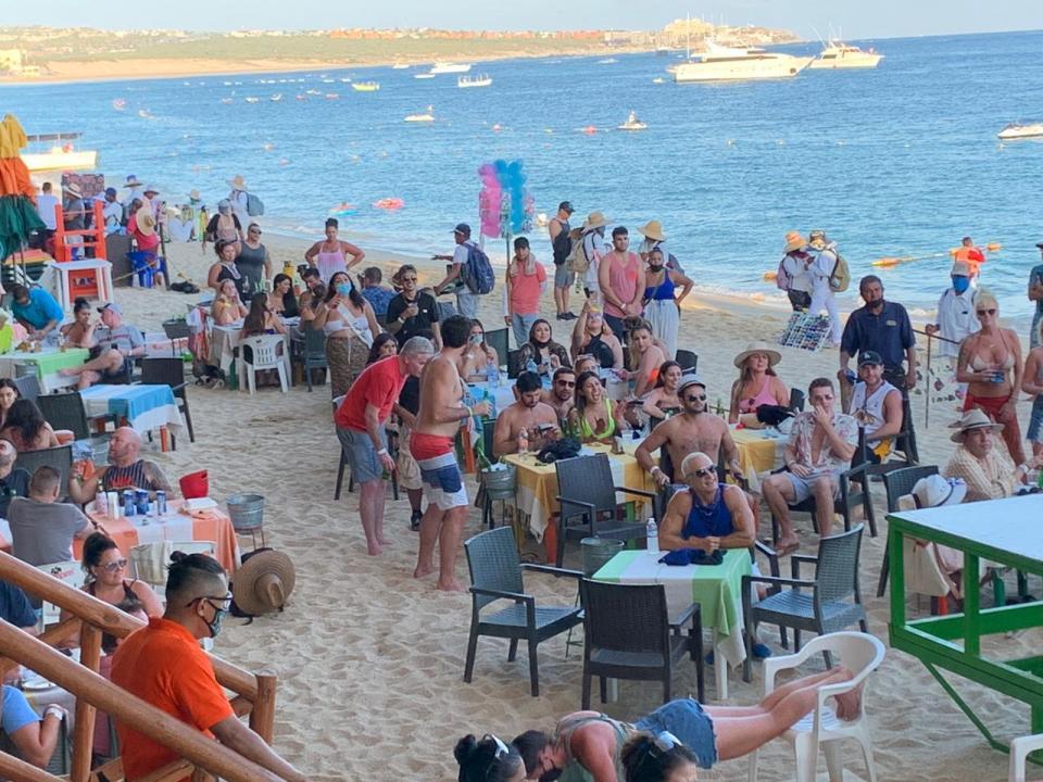 Turistas en Cabo San Lucas