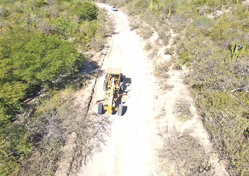 Rehabilitan más de 13 mil km de caminos en Los Cabos