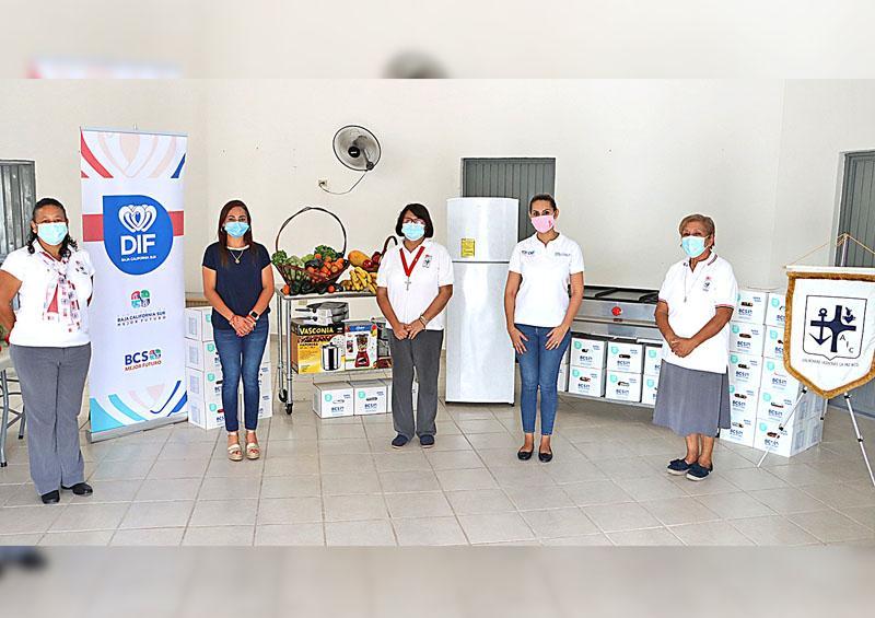 Recibe Asociación Civil donación para equipar cocina comunitaria