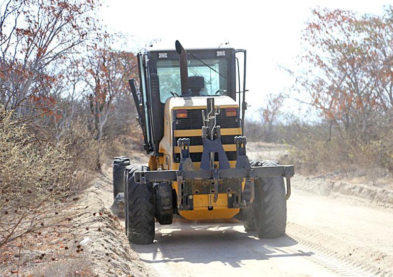 Rehabilitan más de 18 mil km de calles y caminos en Los Cabos