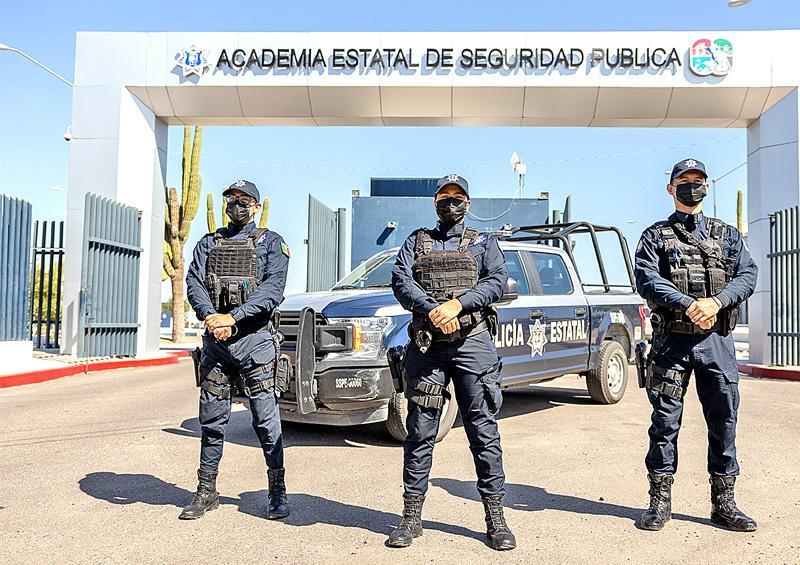 Recibe Policía Estatal acreditación de agencia de EU