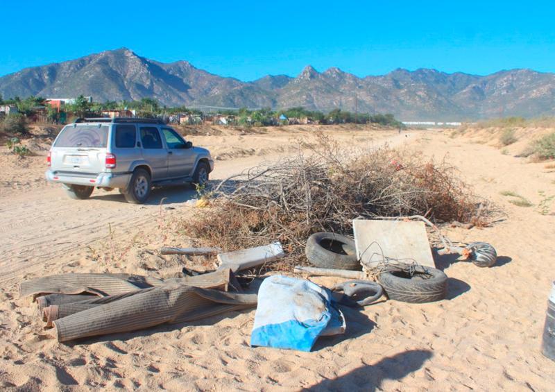 Arroyos de Los Cabos siguen empleándose como tiraderos, denuncia ciudadano