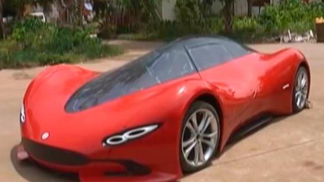 Joven chino crea su propio auto eléctrico con 3 mil euros