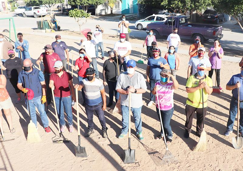 Continúa rehabilitación de parques para beneficio de familias