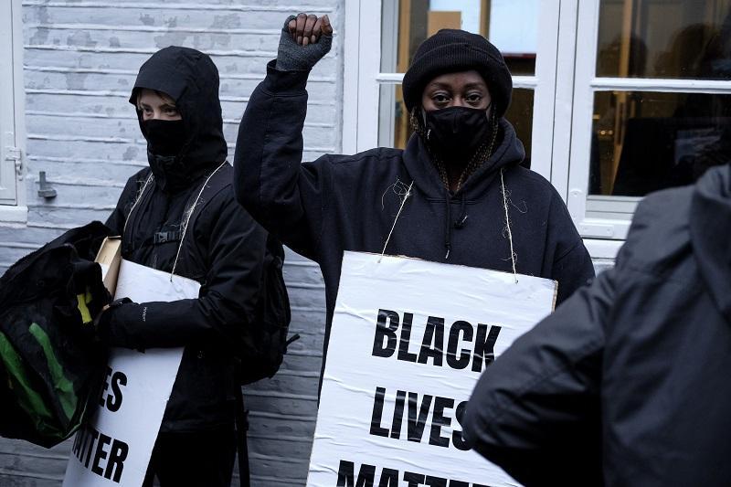 Racismo en mujeres