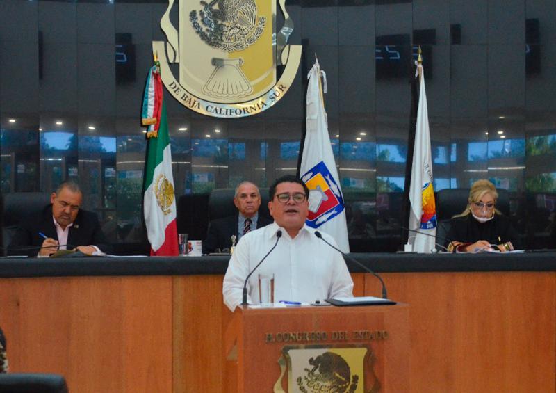 Isidro Jordán expone trabajos en finanzas estatales