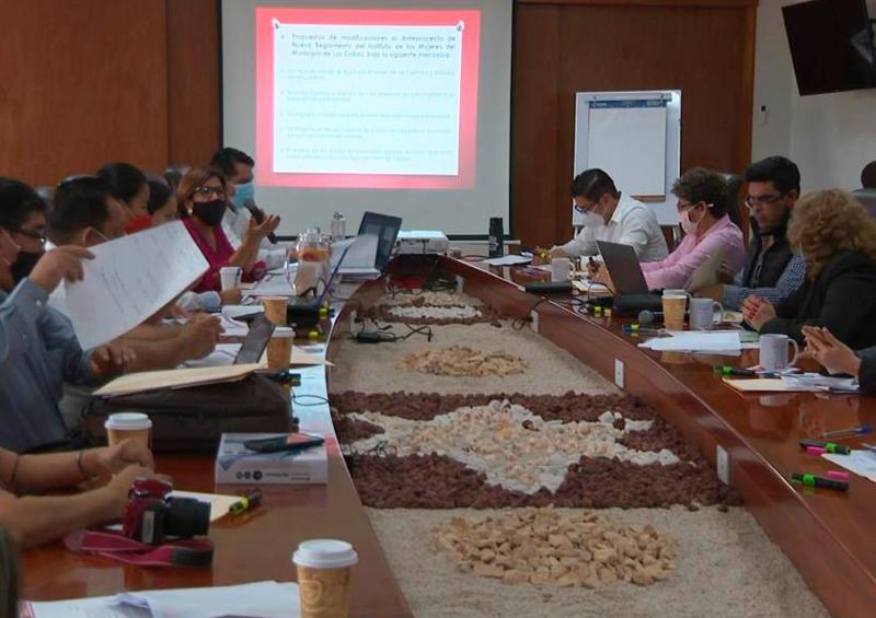 Regidores e Instituto de las Mujeres revisan anteproyecto de nuevo reglamento interior del Instituto