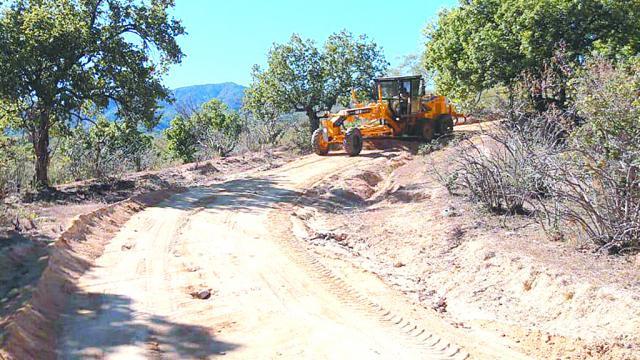 Reinician conservación y rehabilitación de caminos rurales
