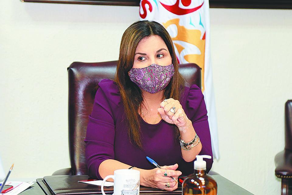 Alcaldesa no descarta restringir actividades no esenciales